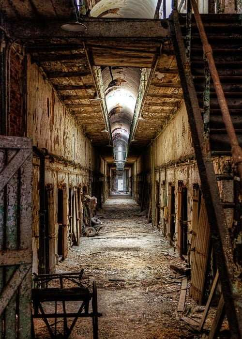 Eastern State Penitentiary - Abandoned Prisons