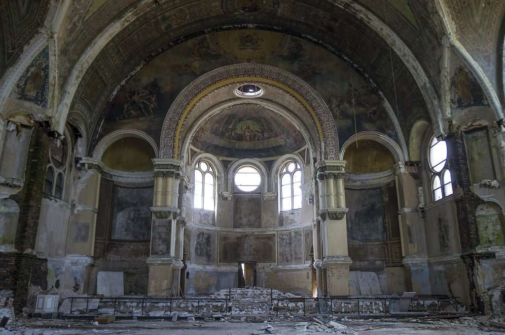 Chicago, IL - Abandoned Churches