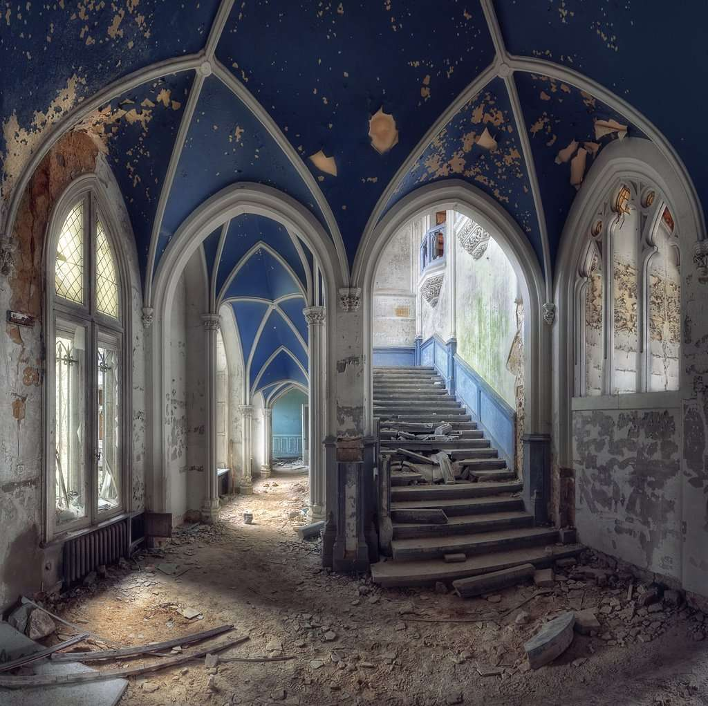 Chateau Miranda - Abandoned Places