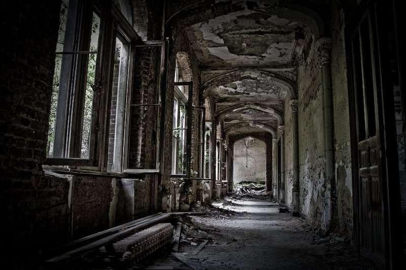 Belgium Kasteel van Mesen - Abandoned Places