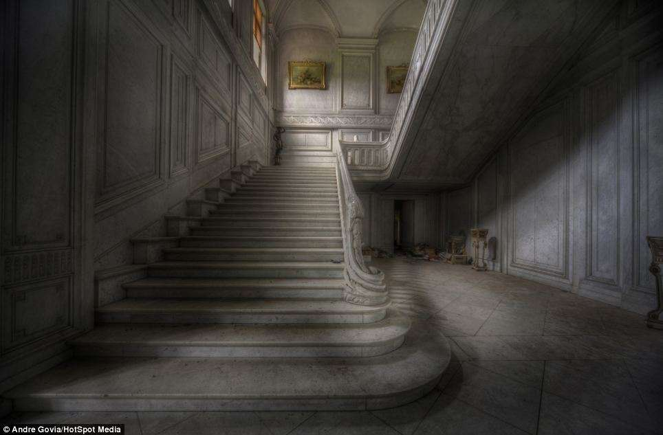 Belgium Round Mansion - Abandoned Places