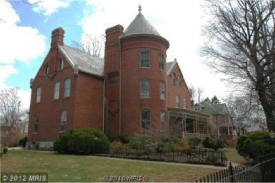 West Virginia The Perkins House - Haunted Mansions