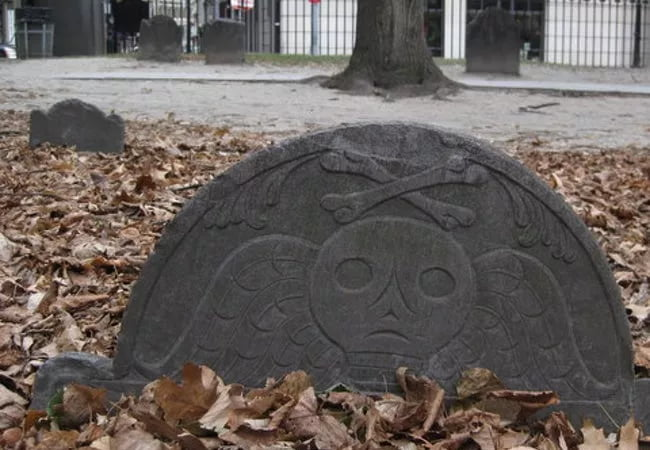 Skull And Bones Puritan Creepy Grave
