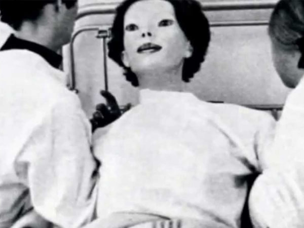 The Expressionless