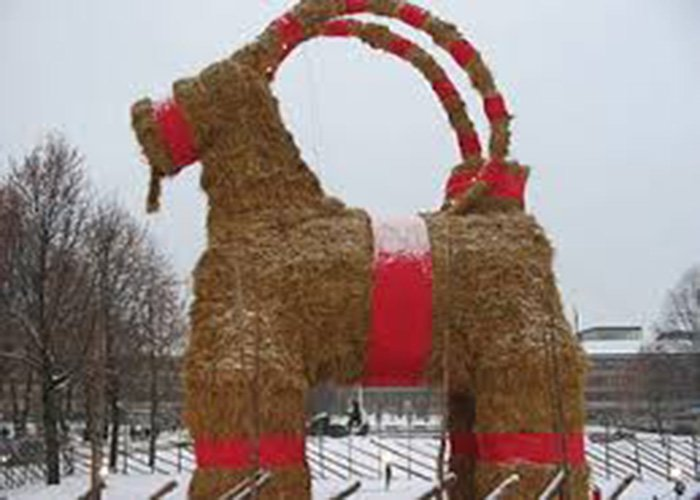 Christmas straw goats
