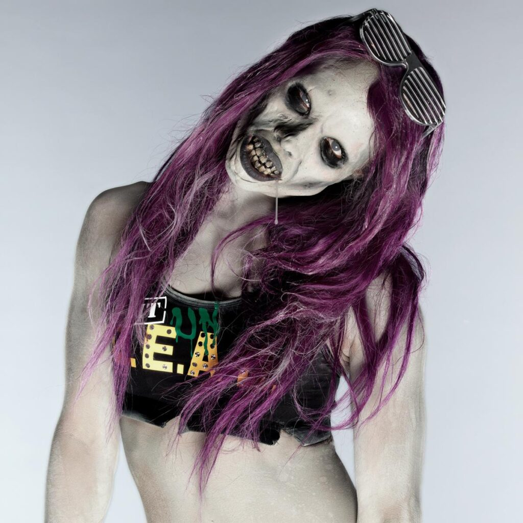 Sasha looks amazing as a zombie