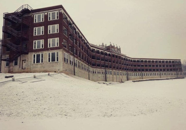 most haunted hospitals and insane asylums