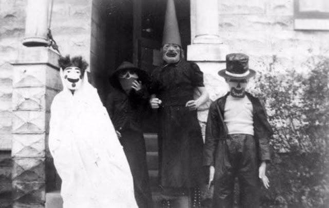 Halloween Costumes 13