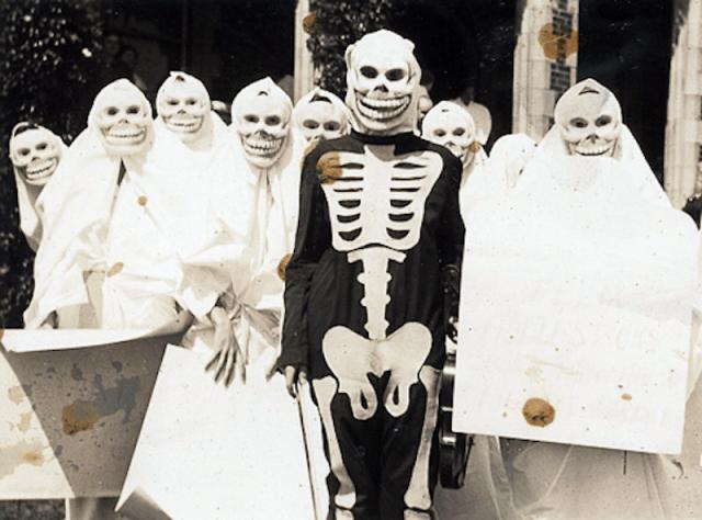 Halloween Costumes 15