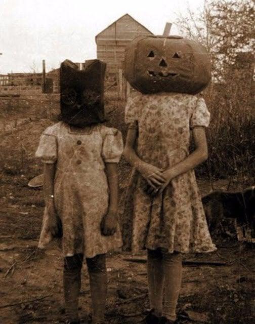 Halloween Costumes 21