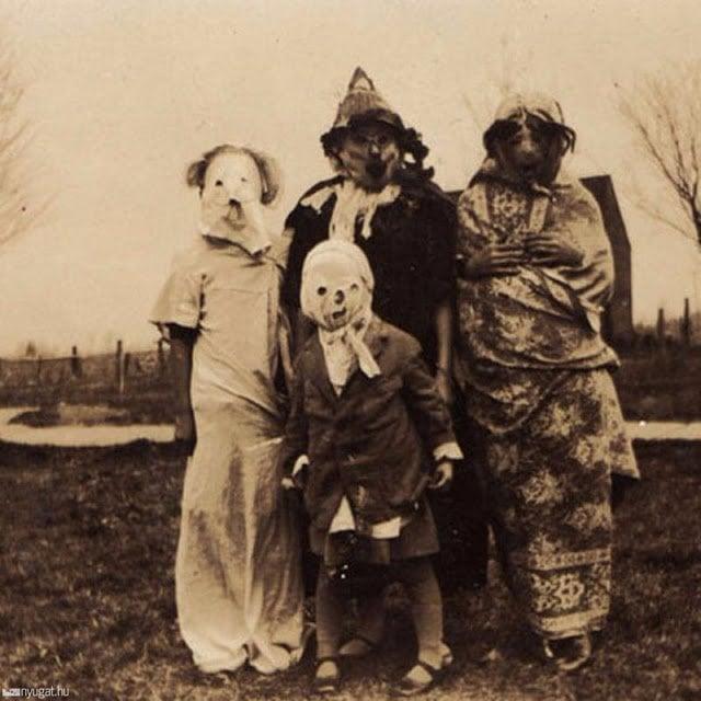 Halloween Costumes 19