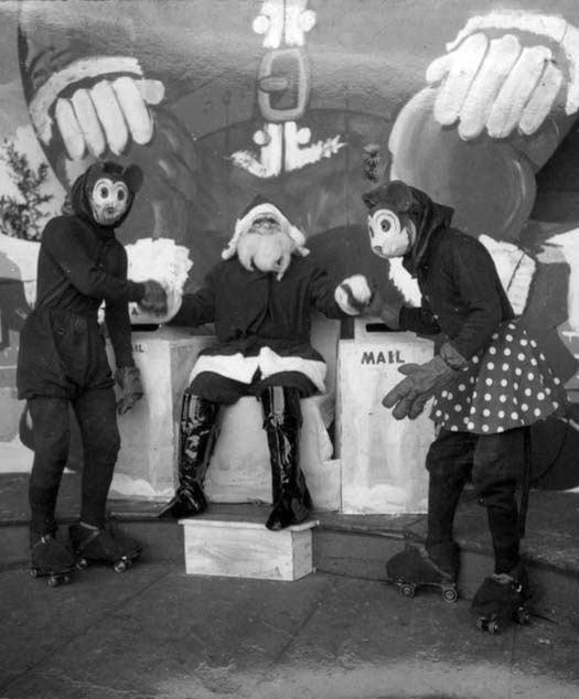 Creepy-Santas 6