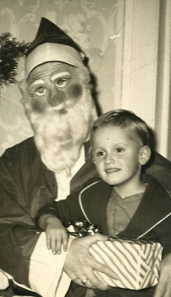 Creepy-Santas 27