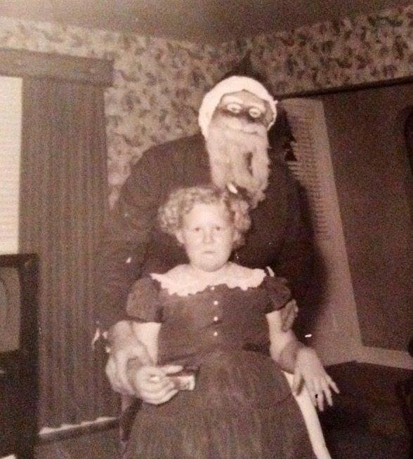 Creepy-Santas 26