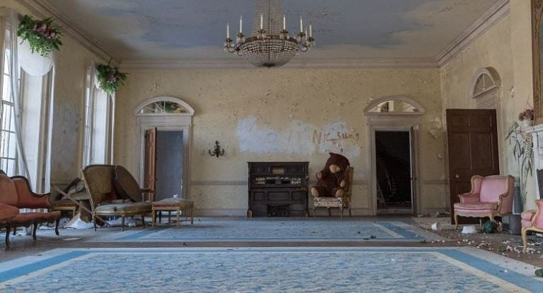 Peeling walls and fading carpets