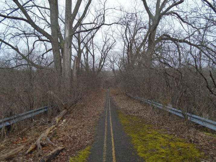 abandoned-road
