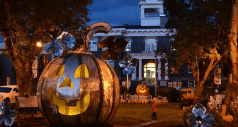 You Can Now Spend A Month At Disney's Halloweentown