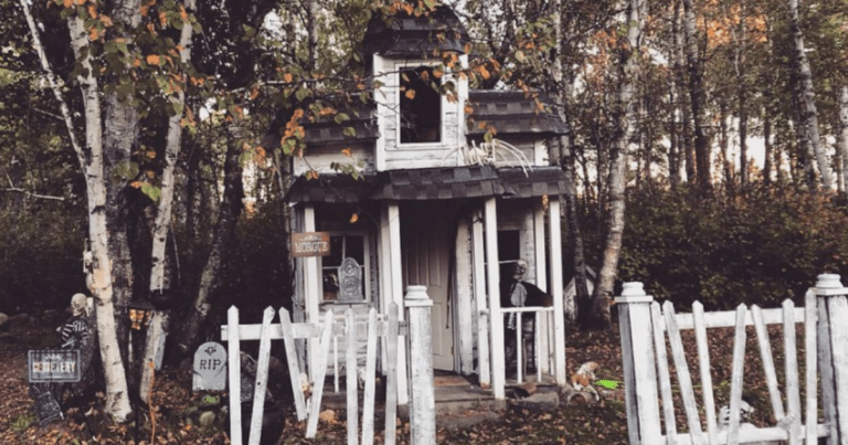 Dad Builds Most Insane Haunted Playhouse For His Kids