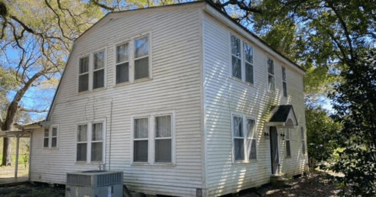 This 'Haunted' house being compared to Amityville is up for grabs