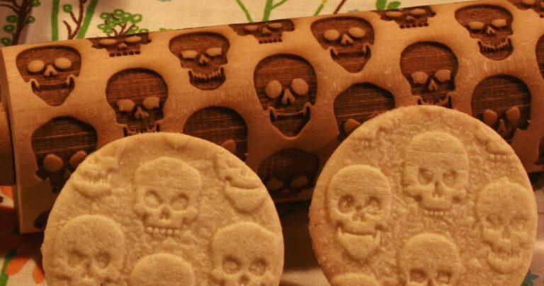 This Skull Embossing Rolling Pin Is Perfect For Cookie Lovers