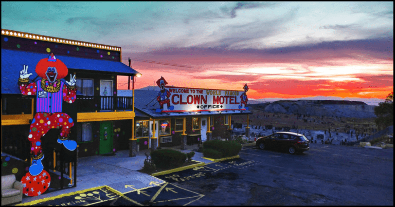 You Can Now Stay In A Haunted Clown Motel Located Next To A Cemetery